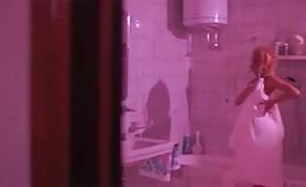 Scena di nudo di Sabrina Salerno