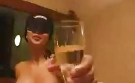 Gran figa italiana con una bottiglia