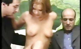 Bellissima rossa una maiala debuttante in provino porno vintage