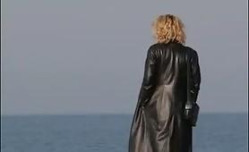 La calda bolognese Alessandra Schiavo nel film Maschera della Perversione