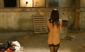 Gran bella figa italiana sfondata nel capannone abbandonato