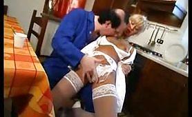 Un'infermiera italiana molto puttana