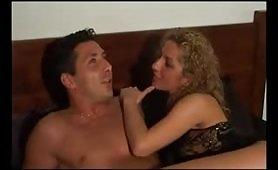 Un triangolo erotico in famiglia di maialoni italiani