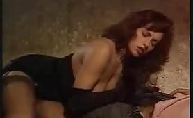 Simona Valli scopata dal burbero cazzone arrapato