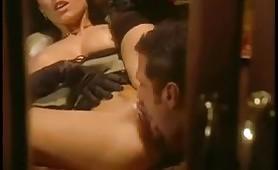 Calda scena porno vintage italiano nel treno
