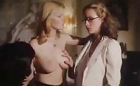 Scena porno vintage con calde porcone arrapate