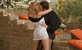 Scena porno ripresa dal film Escort - Peccaminose Confessioni