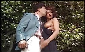 Simona Valli in scena porno vintage