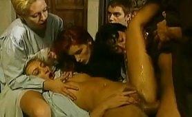 Scena porno del film classico italiano Novizie