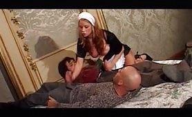Una calda scena porno vintage di sesso a tre