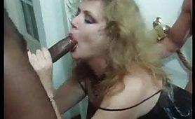 Marina Lotar una calda zia avida di cazzo in scena porno vintage