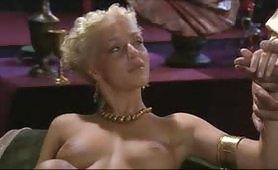 Scena porno ripresa dal film italiano Roma 1