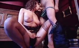 Scena porno vintage con la bellissima Simona Valli
