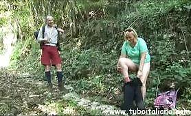 Una gita in montagna molto eccitante per la sexy troia matura Francesca Torri