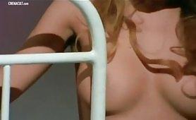 Carmen Russo e  Mariangela Giordano scena erotica quasi porno in  - Patrick vive ancora