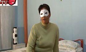 Selvaggia casalinga di Rimini ama essere violentanta