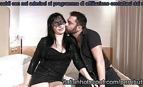Una bella coppia di Civita Castellana si esibisce davanti alla telecamera