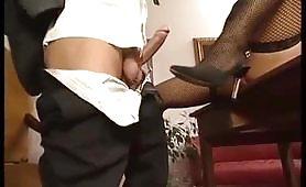 Il sesso in ufficio con la segretaria....una fantasia compiuta!
