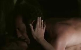 Scena porno di nudo con la sexy attrice francese Chiara Mastroianni