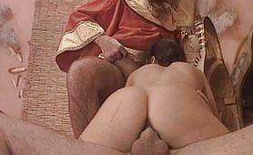 Seconda scena del pornazzo italiano Apriti mummia