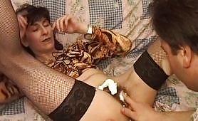 Eccitante scena con zoccola matura trombata per bene da un porcellone