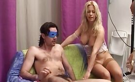 Baby Marilyn e Clarissa Salvi in scena di sesso a tre in Casting a Minchia Dura (o Quasi)