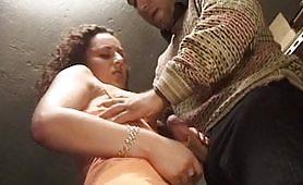 Orgasmi rubati - commessa trombata dal padrone