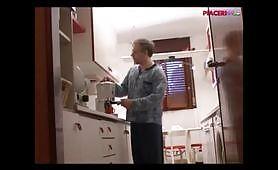 Pompino al paparino in cucina