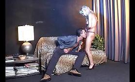 Melissa Conti adora il cazzo giovane